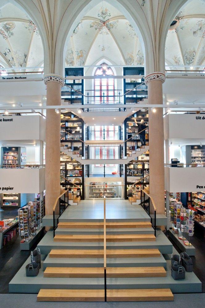 waanders bookstore 7