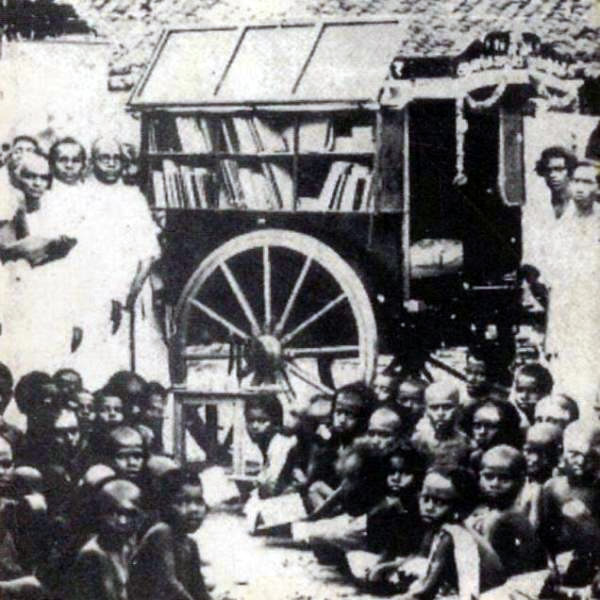 books on wheels wagon india