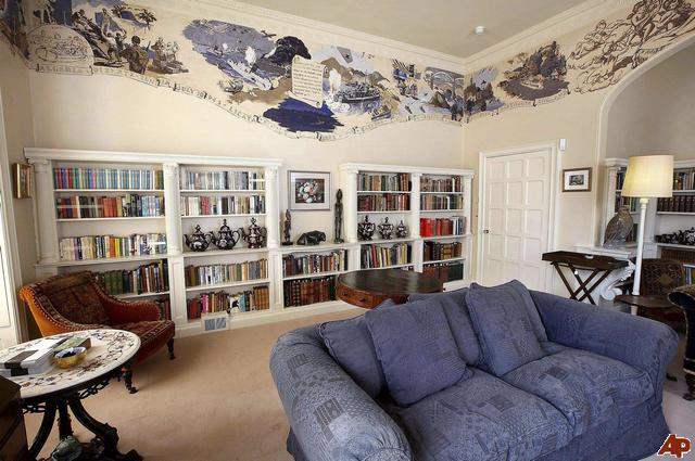 agatha christie at home library